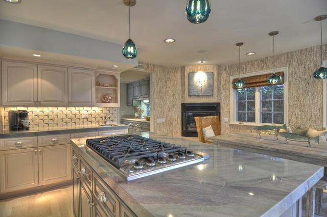 Lido Isle Home kitchen