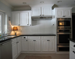 Lift The Eye and The Cabinets traditional-kitchen