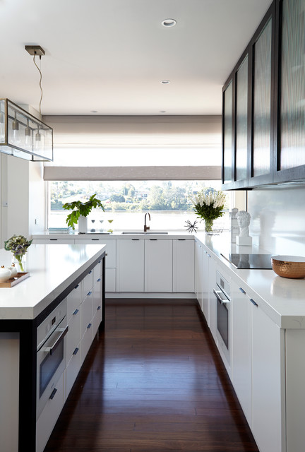 Light & White Kitchen | BIANCO VENATO QUARTZ - Klassisch modern ...