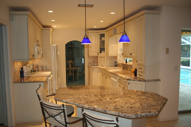 Light, bright and Fresh traditional-kitchen