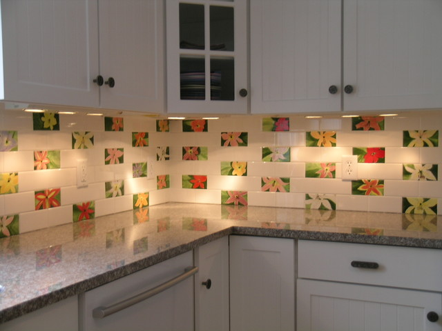 Lily Subway Tiles In Kitchen Back Splash Traditional