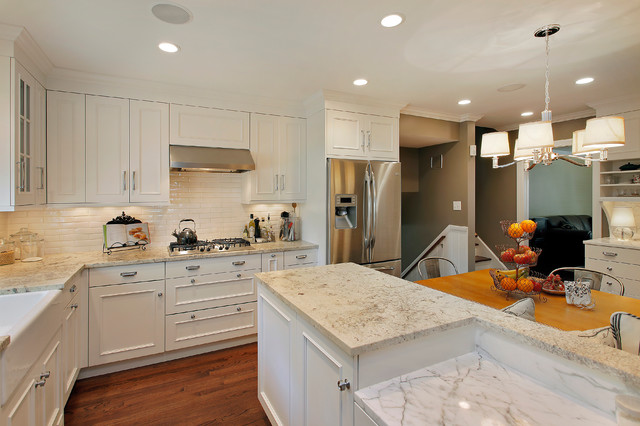 Lincolnwood Home traditional-kitchen
