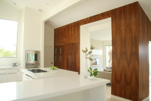 Lindaflora House modern kitchen
