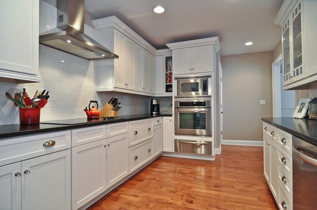 Linden Kitchen traditional-kitchen