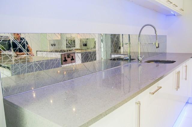 Liquid Mirror Kitchen Splashback By Creoglass Design Modern Kitchen Hertfordshire By Creoglass Design Houzz Uk