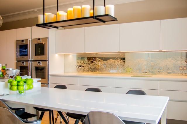 Quotliquid mirrorquot unique design kitchen splashback modern for Interior design kitchen splashbacks