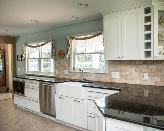 Kitchen Design Ideas, Remodels & Photos with Beige ...
