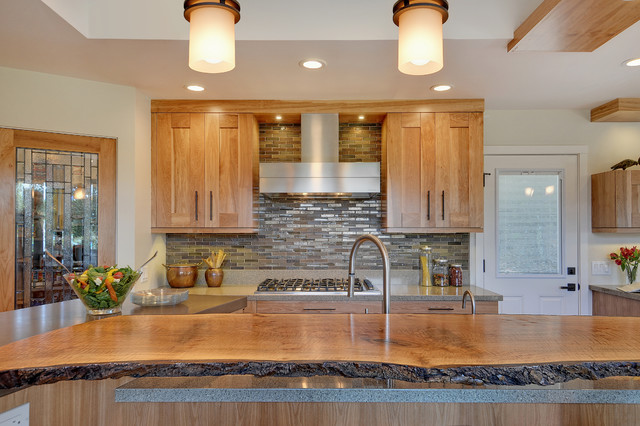 Superbe Trendy Kitchen Photo In San Francisco With Shaker Cabinets, Medium Tone Wood  Cabinets And Multicolored