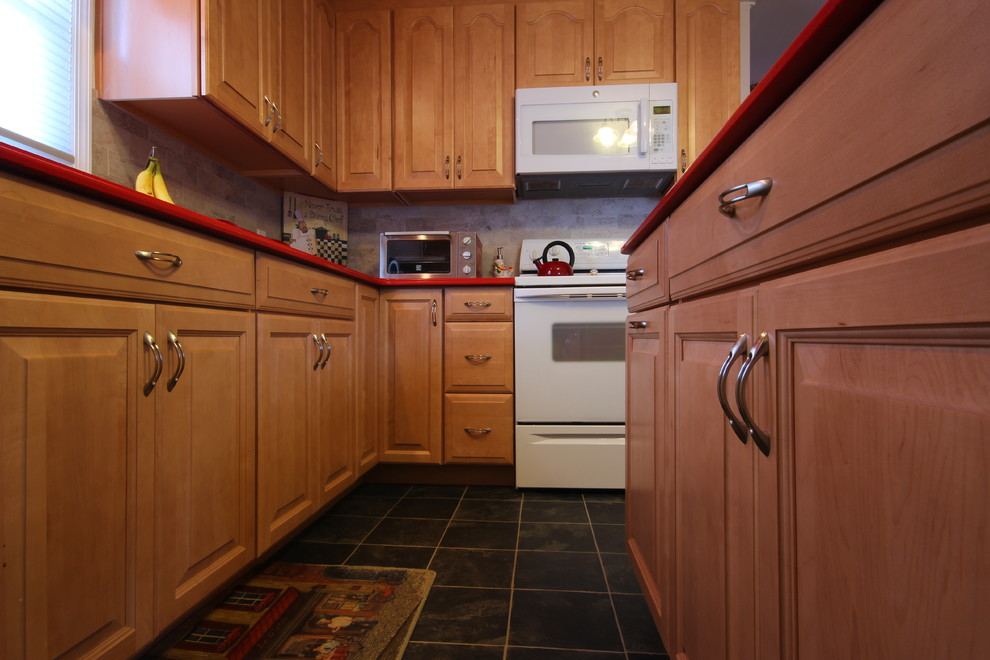 Lively In Lindenhurst Midcentury Kitchen New York By Alure Home Improvements