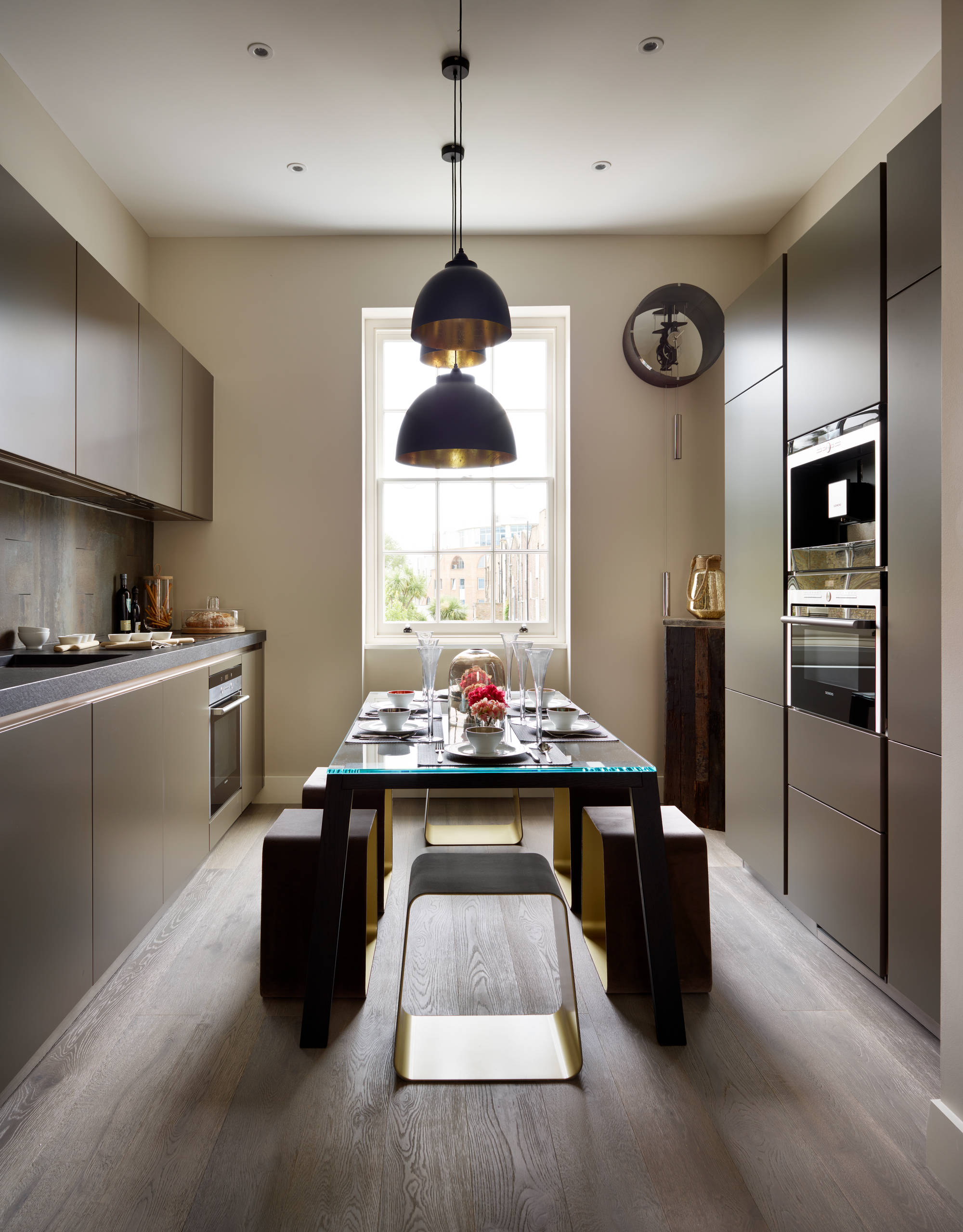 Table In Middle Of The Kitchen Ideas Photos Houzz