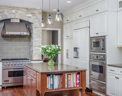 Living Larger - Alaskas Best Kitchens Grand Prize Winner traditional kitchen