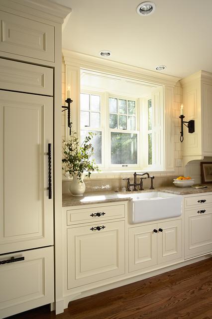 Casa Verde Design traditional-kitchen