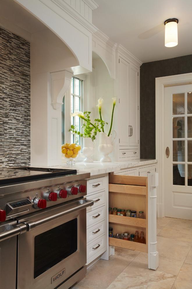 Lloyd Neck, NY Kitchen, BE1301 - Traditional - Kitchen ...