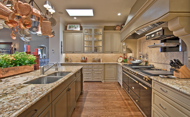 Lochwood-Lozier Custom Home in Medina traditional-kitchen