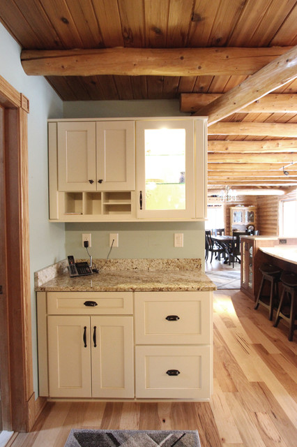 Log Cabin Rustic White Kitchen Cabinets with Granite and ...