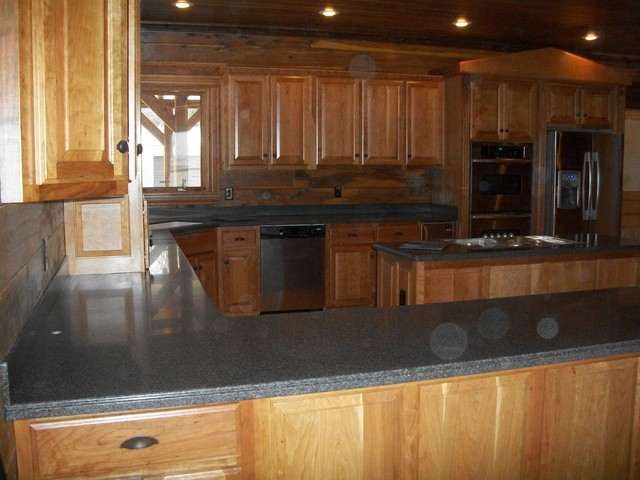 LOG HOME WITH HIMACS traditional-kitchen