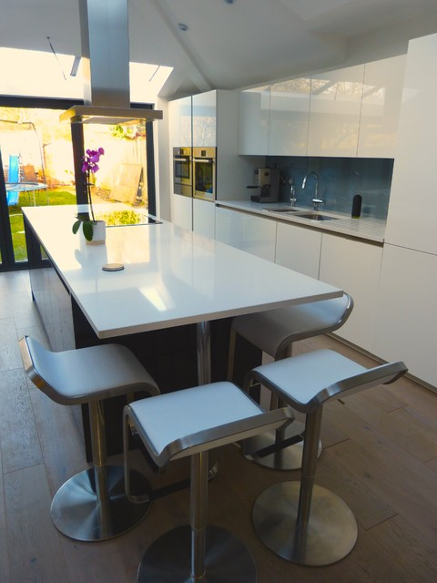 London Nw7 Modern Kitchen London By Skybrooke Design