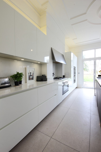 Photo of a contemporary kitchen in London.