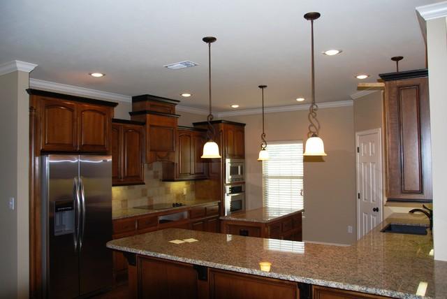 Lone Star Custom Homes, Kitchens traditional-kitchen