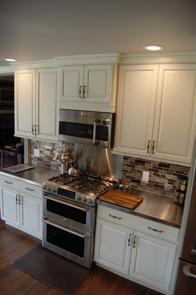 Longo House - Transitional - Kitchen - Little Rock - by ...
