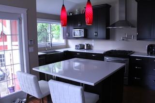 Lori brent 39 s new kitchen minimalistisch k che for Minimalistisch essen
