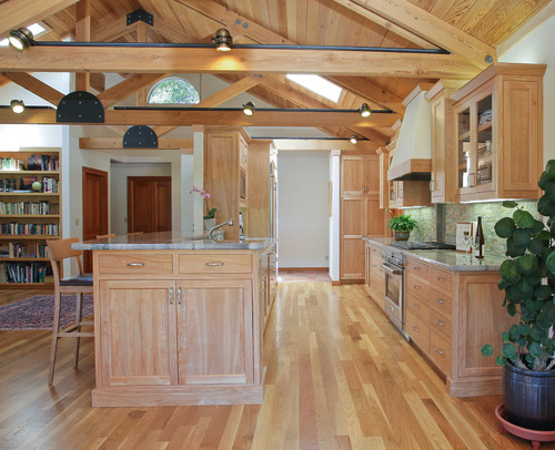 Traditional Kitchen by Campbell General Contractors Rehder