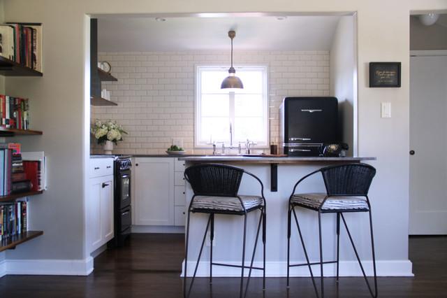 Los Feliz Guest House traditional-kitchen