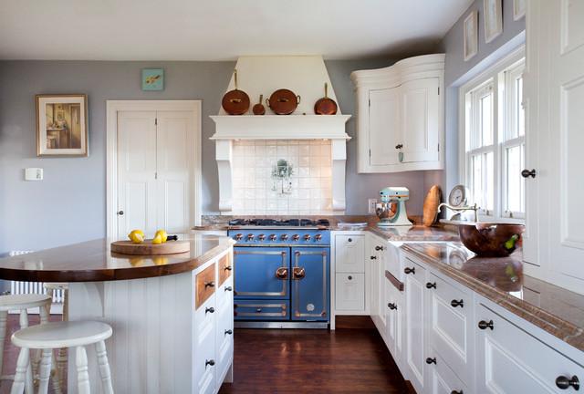 Lough Derg Traditional Kitchen Dublin By Richard Burke Design