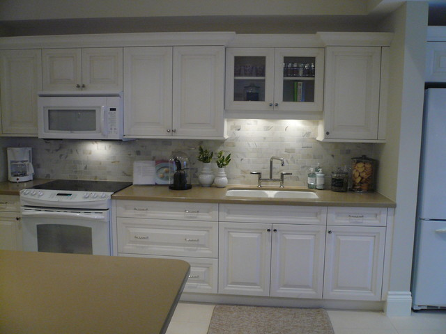 Love It or List It - Coughlan Family traditional-kitchen