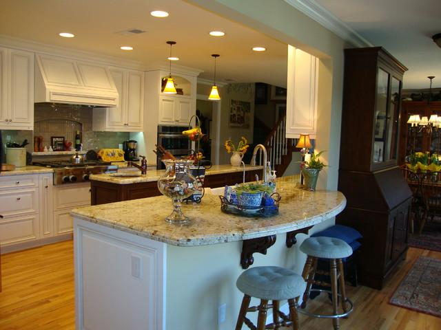 Lovely ventura remodel traditional kitchen los for Bath remodel ventura