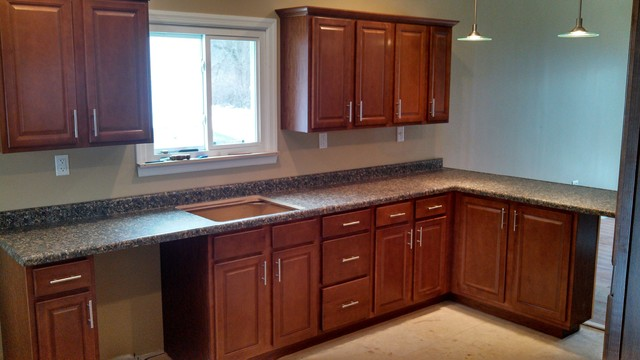 Lowe\'s in stock cabinets