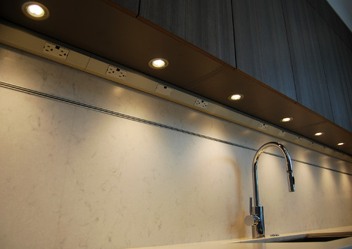 Great use of under-cabinet outlets and lighting