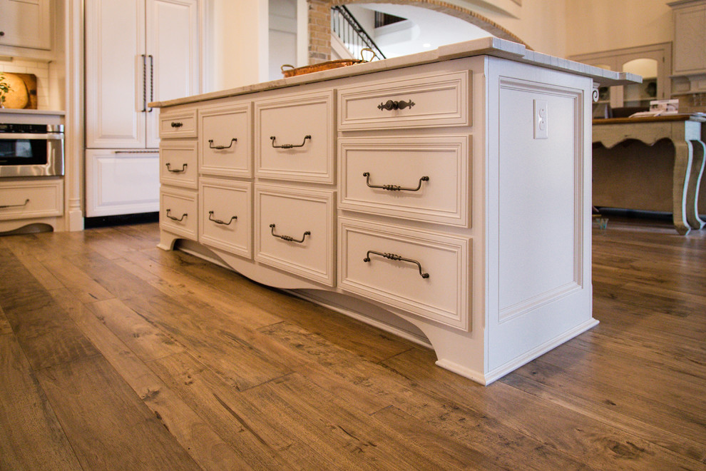 Lubbock WTBHA 2015 Parade of Homes - Traditional - Kitchen ...