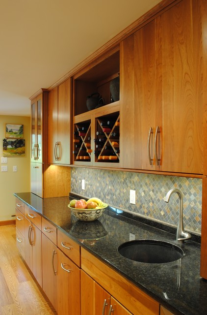 Luminous Organic Kitchen traditional-kitchen