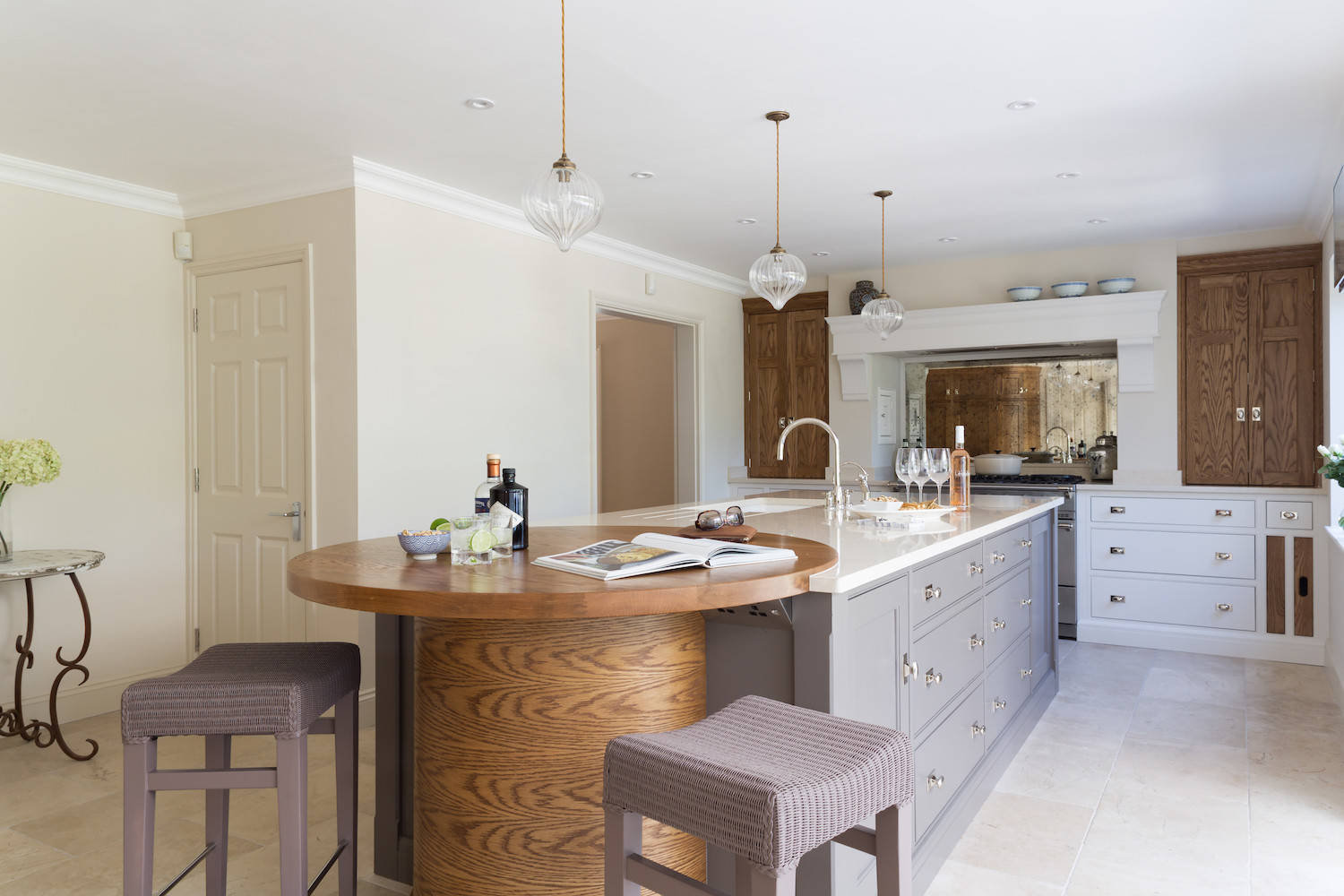 Island With Round Seating Area Kitchen Ideas Photos Houzz