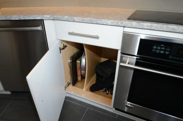 Luxury Condo contemporary-kitchen