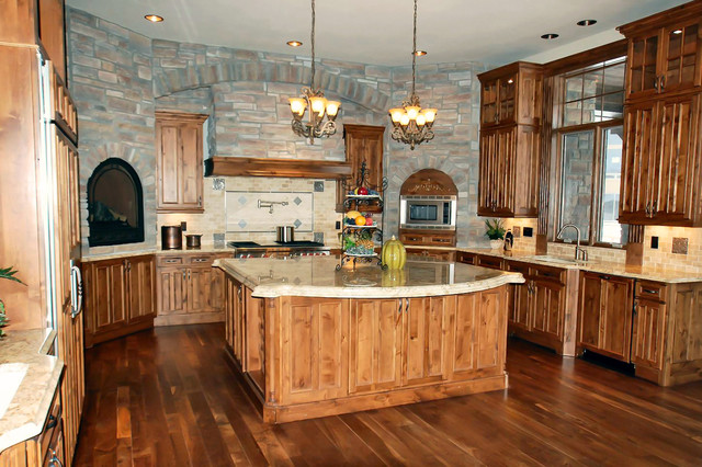 Luxury Ranch Style Home - Traditional - Kitchen - New York ...