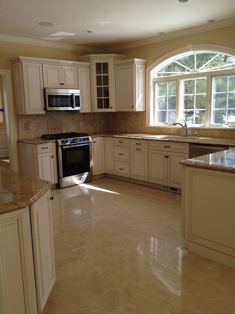 Lynnfield, MA traditional-kitchen