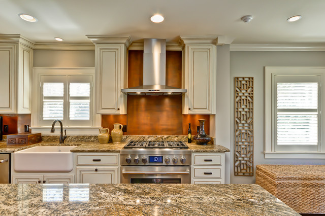 Lynwood Blvd traditional-kitchen