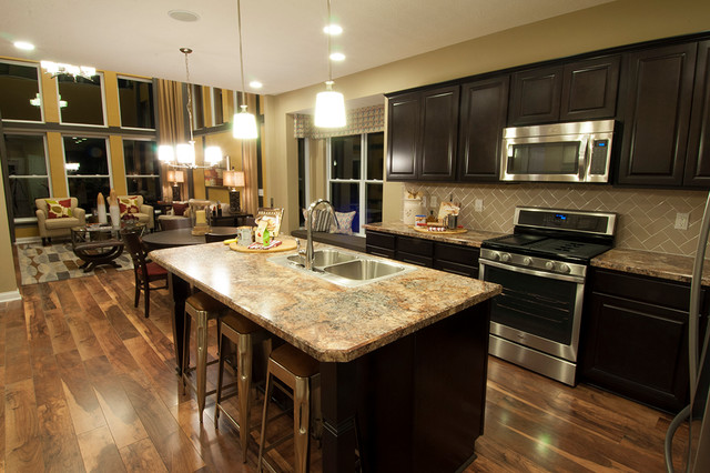M i homes of columbus waterford park parkside model for Model kitchen design