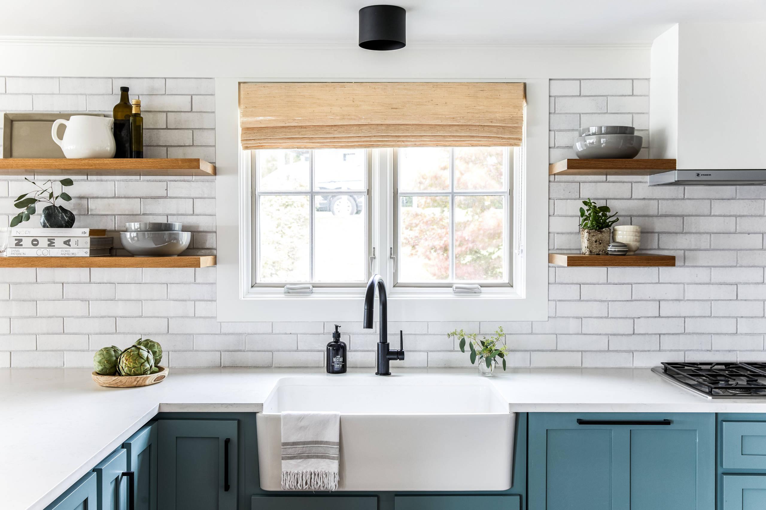 75 Beautiful White Kitchen With Brick Backsplash Pictures Ideas May 2021 Houzz