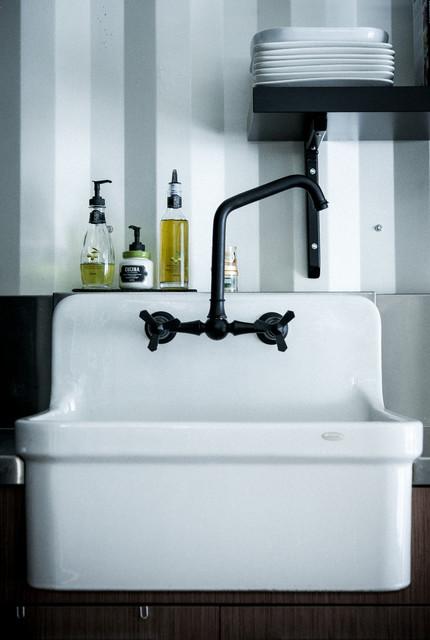 maison conteneur container house kitchen montreal. Black Bedroom Furniture Sets. Home Design Ideas