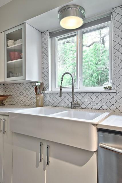Majestic contemporary-kitchen