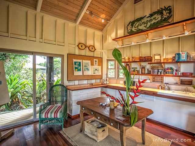 maka 39 alae luxury hawaiian estate kolonialstil k che. Black Bedroom Furniture Sets. Home Design Ideas