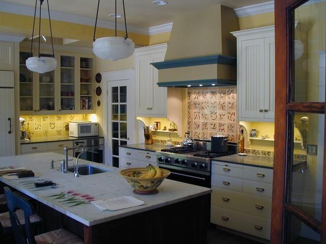 Make a (Back)splash! traditional-kitchen
