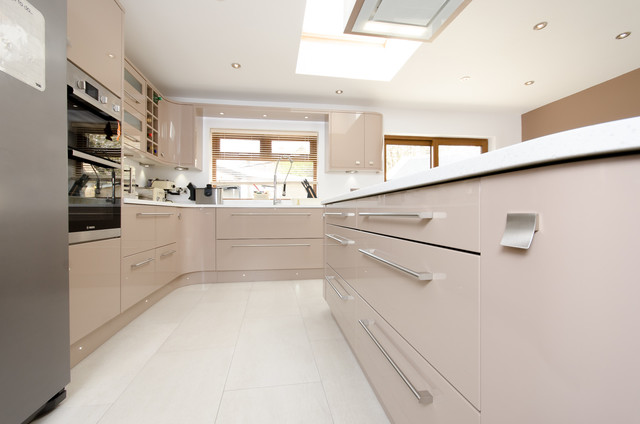 flooring for a kitchen painted cappuccino gloss contemporary kitchen 3454