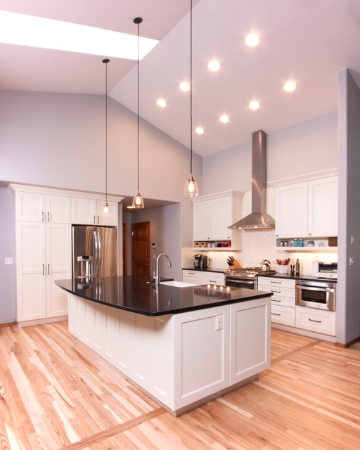 Maki Olympia Wa Transitional Kitchen Seattle By Cabinets By Trivonna