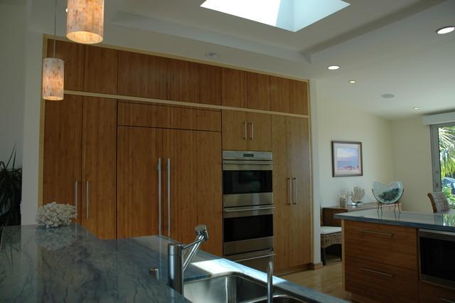 Malibu Residence modern-kitchen