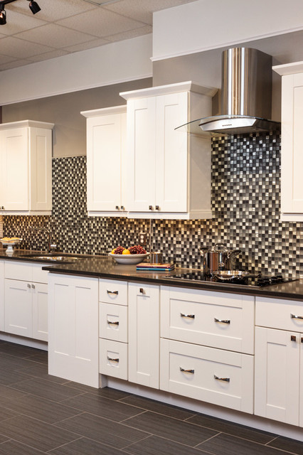 Malibu White Shaker Kitchen Cabinets - Traditional - Kitchen - baltimore - by Cabinets To Go