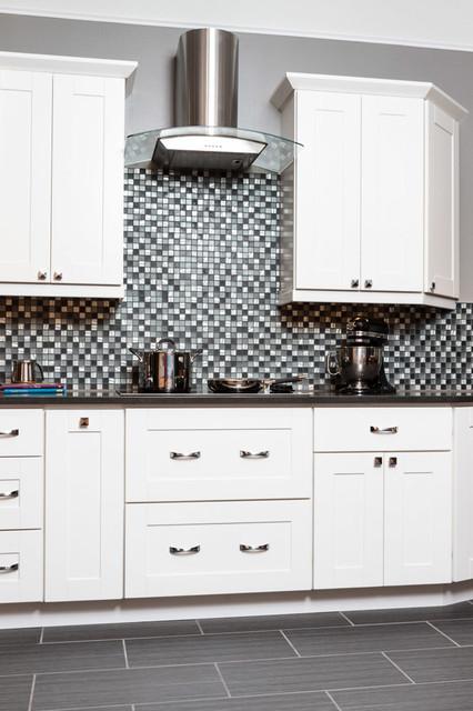 Malibu White Shaker Kitchen Cabinets Traditional Kitchen